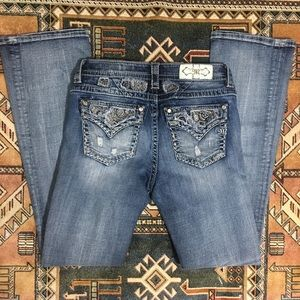 Miss Me Jeans Mid Rise Bootcut 29